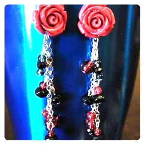 Rose earrings and blue bead necklace with bracelet